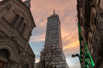 Foto op Plexiglas Zalm latin american tower mexico city at sunset
