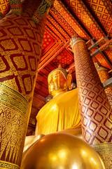 Luang Pho Tho at Wat Phanan Choeng, Ayutthaya, Thailand, Asia