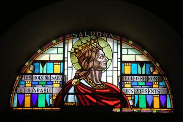 Salomon. vitrail. Eglise Saint-Jean-Baptiste. Tanningen. / Salomo. Glas-in-lood. St. Johannes de Doper kerk. Tanningen.