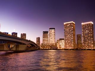 東京都 晴海大橋と高層マンション街