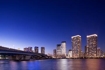 Fototapete - 東京都 晴海大橋と高層マンション街