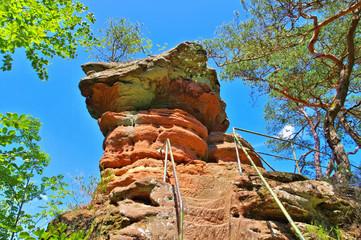 Schwalbenfelsen im Dahner Felsenland - Schwalbenfelsen rock in Dahn Rockland