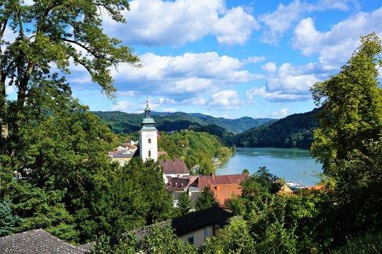 Grein stadt in österreich im sommer
