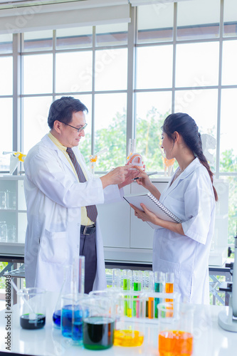 Research teams in health sciences, life sciences and chemistry