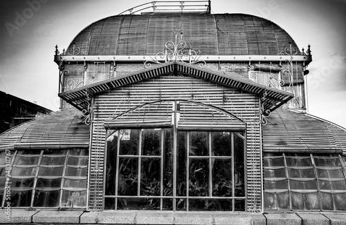 Serre du jardin des plantes Nantes couchée de soleil = green house ...