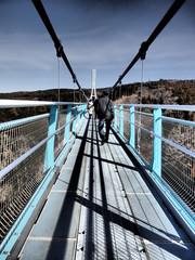 迫力ある吊り橋