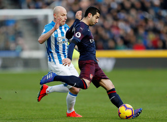 Premier League - Huddersfield Town v Arsenal