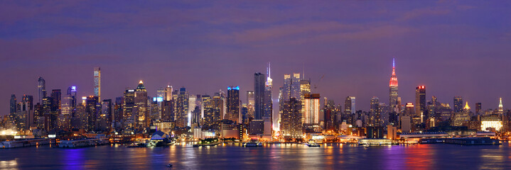 Wall Mural - Manhattan midtown skyline at night