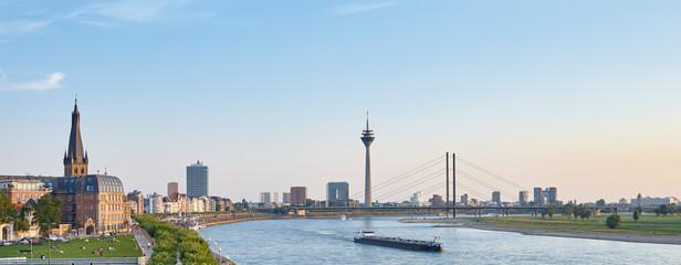 Düsseldorf,  Stadt-Panorama