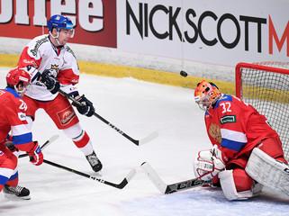 IceHockey-SwedenHockeyGames - Russia v Czech Republic
