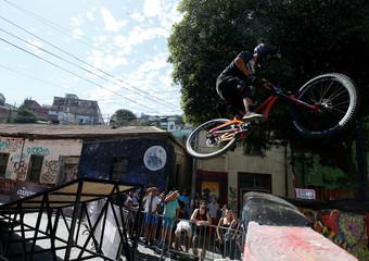 Cycling - Valparaiso mountain bike downhill race