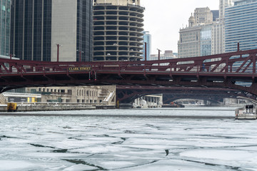 Fototapete - Chicago downtown icy frozen river in winter