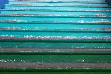 Escalier vert en dégradé