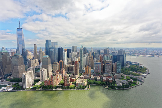 Aerial view of Lower Manhattan skyline, viewed from the west