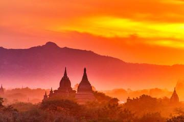 Sonnenuntergang über Bagan Fototapete