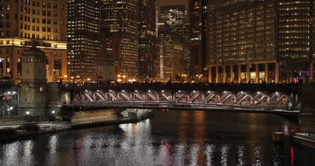 Fototapete - Chicago downtown river buildings night