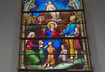 Un vitrail de l'église de Plancoët