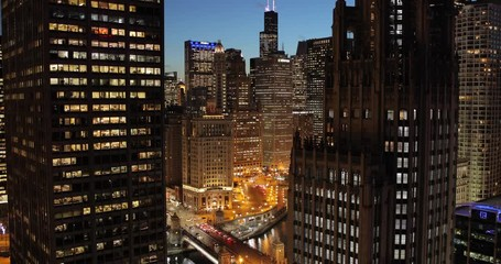 Fototapete - Chicago night evening buildings downtown skyline