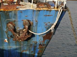 Seelenverkäufer im Hafen