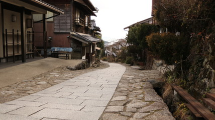 冬の中山道 馬籠の街道