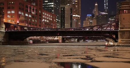 Fototapete - Chicago winter frozen ice river bridges downtown buildings