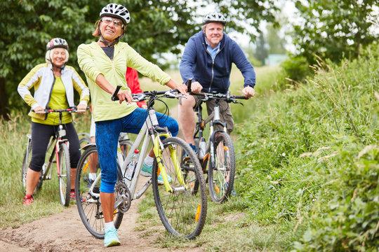 Senioren Gruppe macht eine Radwanderung