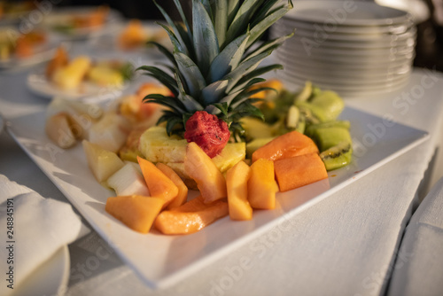 "Ananas Buffet buffet di frutta - matrimonio "" stock photo and royalty-free images"