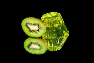 kiwi jelly with kiwi slice