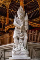Deuses divindades estatuas