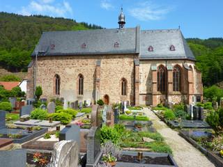 Die als Ersheimer Kirche bekannte katholische Friedhofskirche St. Nazarius und Celsus im Hirschhorner Stadtteil Ersheim aus dem 8. bis 9. Jahrhundert soll die älteste Kirche des Neckartals sein
