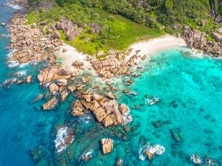 tropischer Seychellenstrand - La Digue
