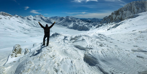 the successful story of a climber and the tremendous pleasure of the summit