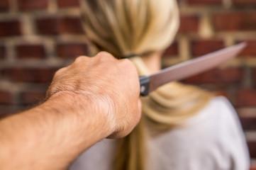 Messerattacke auf eine Frau