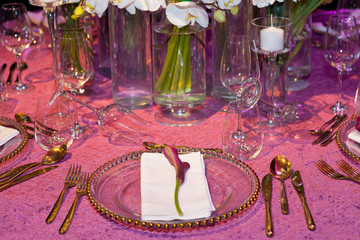 Detail of a wedding dinner in pink