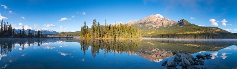 Canada, Alberta, Jasper National Park, Pyramid Mountain, Pyramid Lake