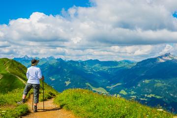 Germany, Bavaria, Allgaeu Alps, View from Fellhorn to Soellereck, female hiker