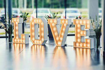 Podświetlany ledowy napis love