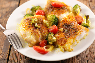 fish with spice and vegetable