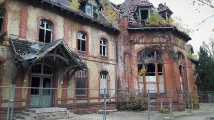 Foto auf Gartenposter Altes Beelitz-Krankenhaus Beelitz Heilstätten Ruine Kantine