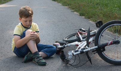 fell down of his first bike on road