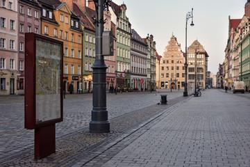 Rynek o poranku - miasto Wrocław