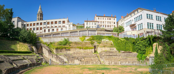 Fototapete - Panorama of the Roman Amphitheatre of the Three Gauls in Lyon, France