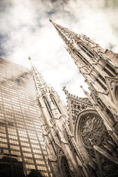 USA, New York City, Manhattan, St Patrick's Cathedral