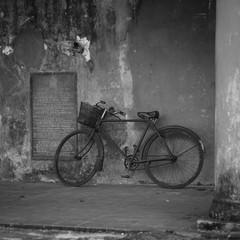 old bicycle on the wall