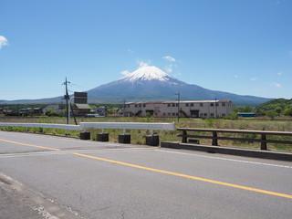 富士山と道路