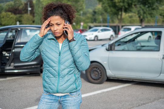 Calling ambulance first aid after bad cars pile up