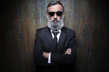 Homme d'affaires lunette de soleil