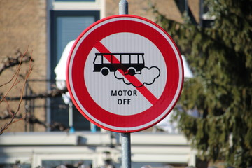 Sign at the parking lot Klein Amerika in Gouda that tourist busses must put their motor off in the Netherlands