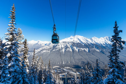 The Banff Sightseeing Gondola is located just 5 minutes from the Town of Banff, on the shoulder of Sulphur Mountain, in the heart of the Canadian Rockies