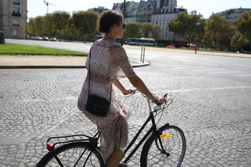 Cycling in Paris